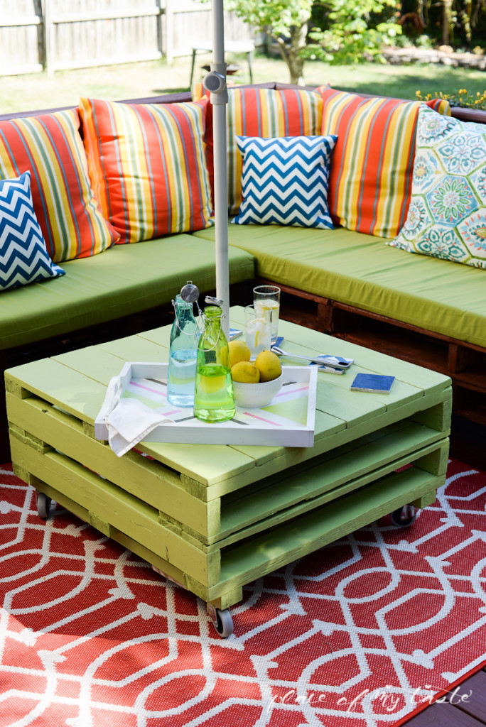 DIY-pallet-furniture-patio-makeover-www.placeofmytaste.com-2662