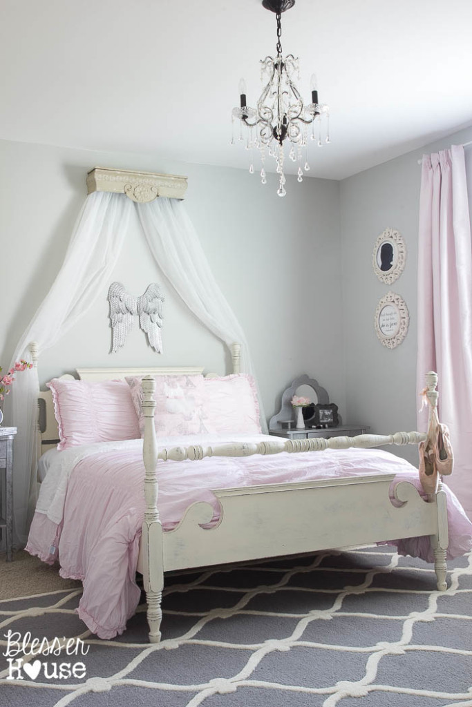 Ballerina-Girl-Bedroom-Makeover-3-of-23-683x1024