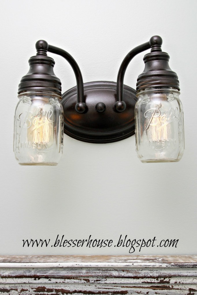 mason-jar-bathroom-light11