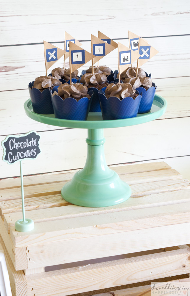 How To Throw A Vintage Train 1st Birthday Party Dwelling In Happiness