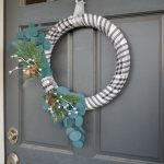 Quick and Easy Farmhouse Winter Wreath